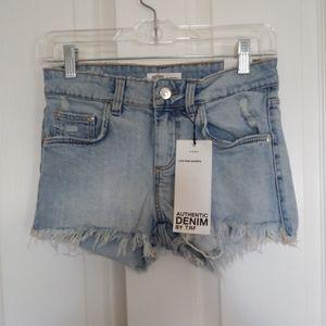 Nwt Zara Frayed Hem Low Rise Jean Shorts size 2